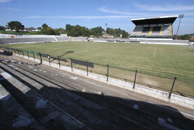 Enquanto time treinou no Grêmio Kurashiki, palco da partida recebia últimos ajustes Foto: Fabio Matavelli