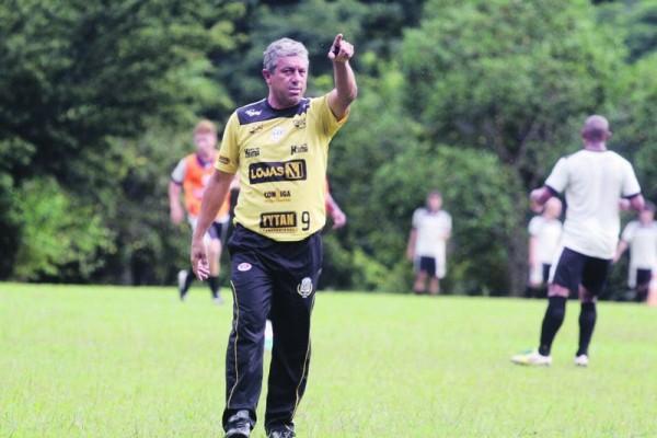 27/12/2013 - JMNews - Gilberto Pereira - treino