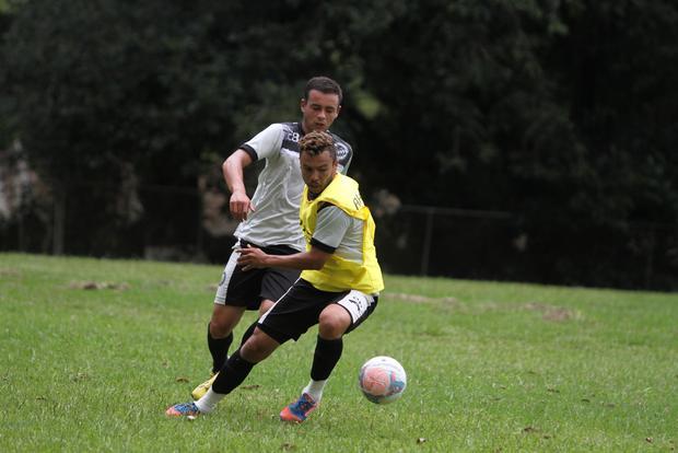 Time entra em campo para o último jogo-treino, neste sábado, contra o Brusque (SC), no CT do Caju, em Curitiba