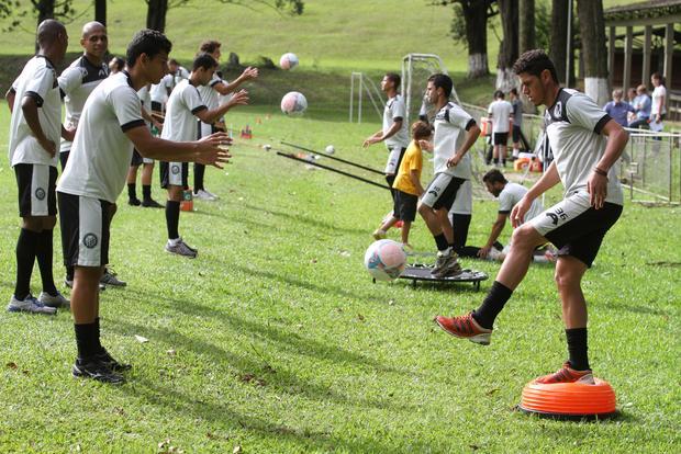 Fantasma começa semana decisiva de treino para início do Campeonato