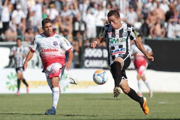 Mesmo com a lesão do lateral Willian, Marquinhos segue posicionado na meia-cancha do Fantasma Foto: Thiago terada