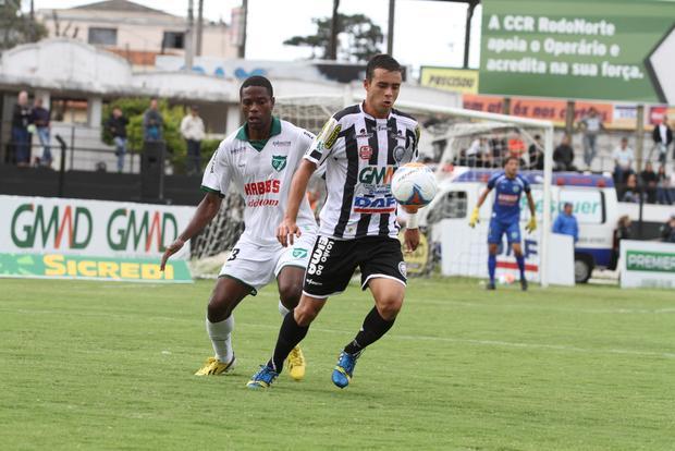 Lucas Batatinha foi o autor do primeiro gol do Fantasma na partida Foto: Fábio Matavelli