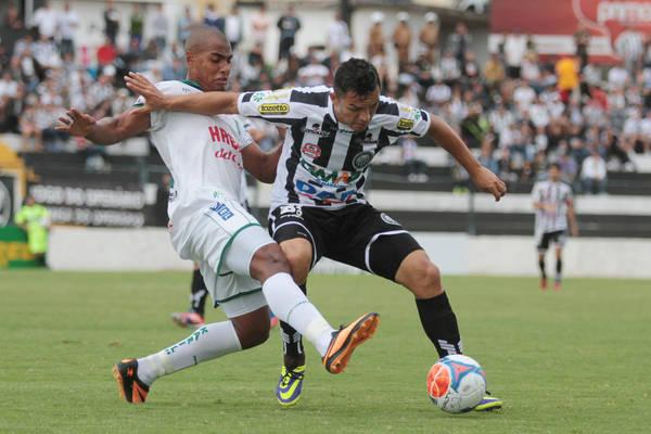 Pedrinho volta a jogar hoje contra o Coritiba, na última partida ficou fora, pois cumpria suspensão