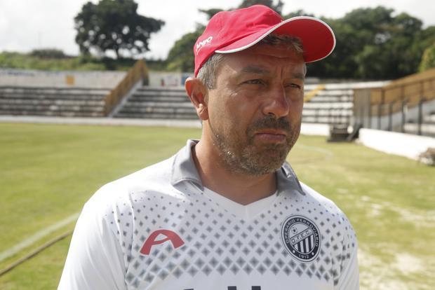 Gilberto Pereira deixa o comando do Operário após não se classificar para a segunda fase do Paranaense